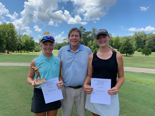 L to R: Girls B 13-15 Harper Hinckley (2nd) Greg Brooking (Natchez Golf Club Pro) & Hannah Grace Hinckley (1st) — at Natchez Golf Club.