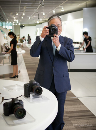 村瀬 治男 キャノンマーケティングジャパン 会長  2011
