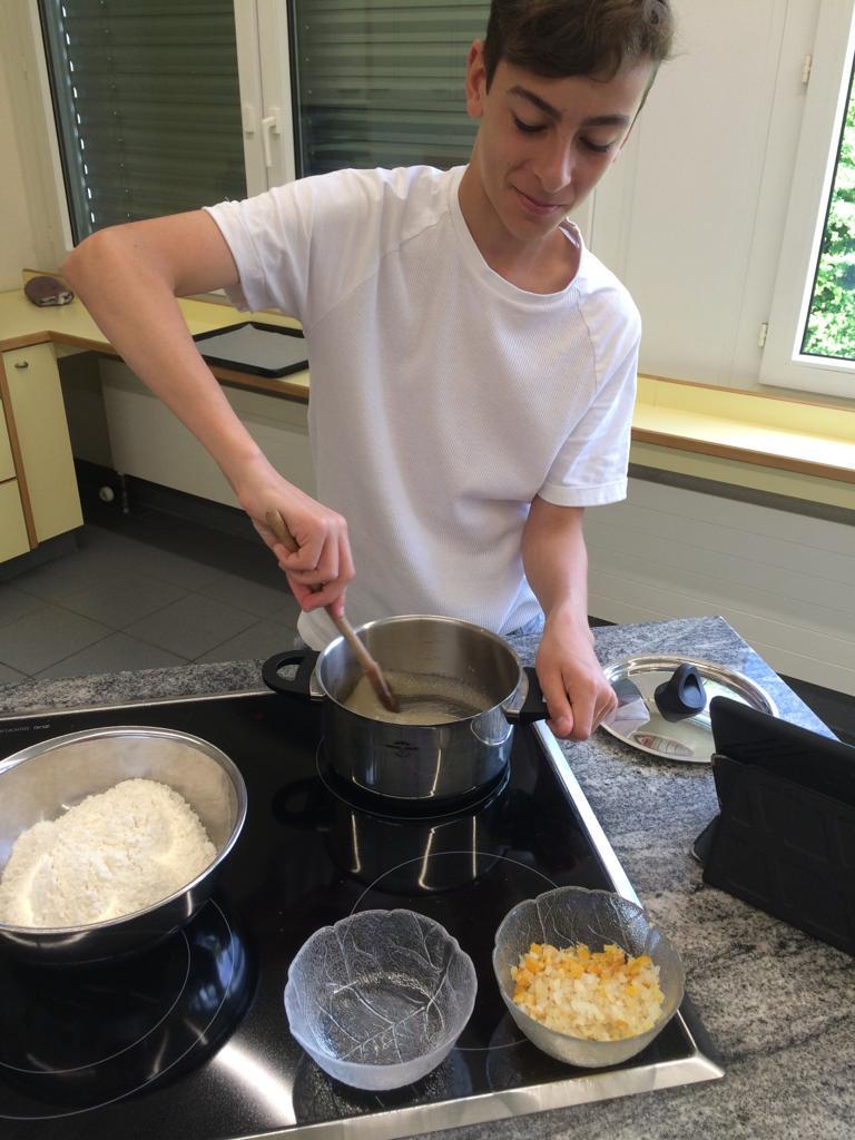 Vorbereitung für Baslerläckerli