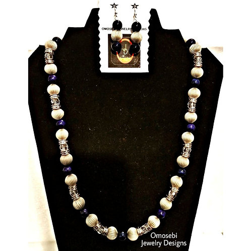 """""""Gladdy"""" Vintage Style Necklace & Earrings Set"""