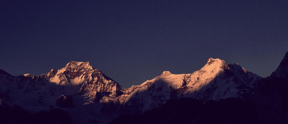GYACHUNG KANG (7952m) + GHAKHUNG (7036m)