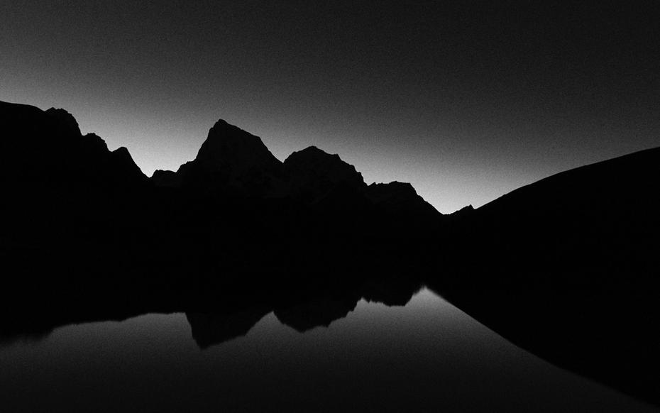 BEFORE DAWN -  CHOLASTE (6440m) + TABOCHE (6542m)