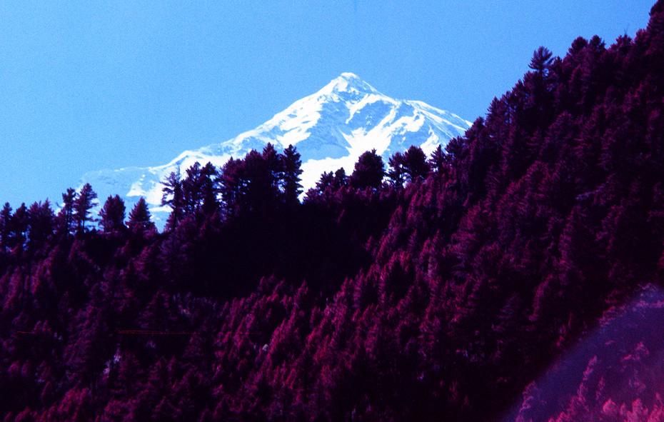 ANNAPURNA II (7937m)