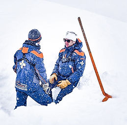 Pistenrettungsdienst, Pistenpatrouilleur, Pistendienst, Bergbahnen, Skigebiete