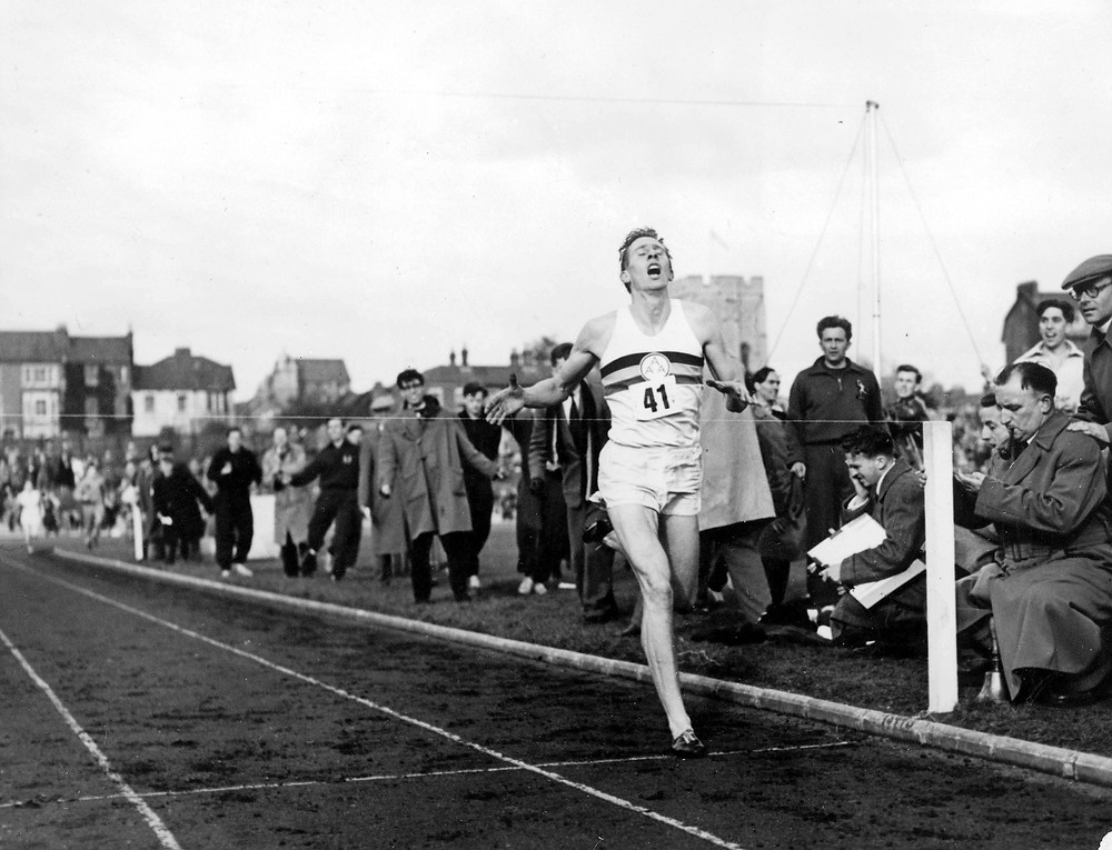 Roger Bannisters breaks 4-minute mile