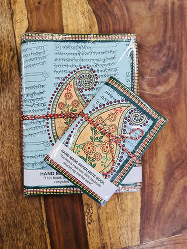 Set of 2 Handmade recycled notebooks with Leaf - Handmade for Sabirian