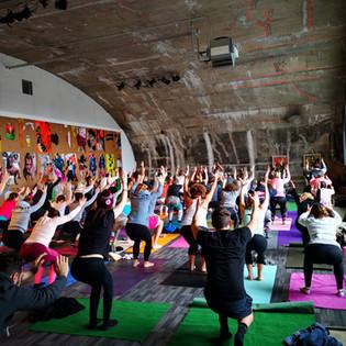 Yoga @ Montez in Frankfurt- Art meets Yoga