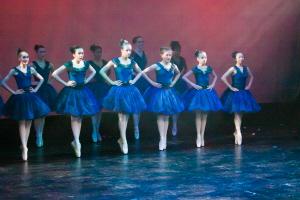 ballet point blue 120 dpi.jpg