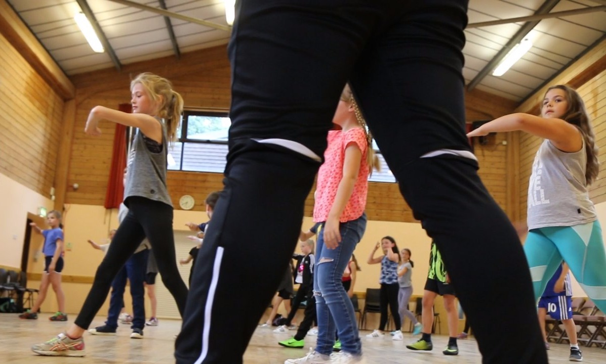 commercial street classes Reigate