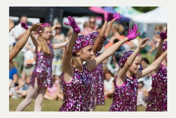 Reigate Dancing at the Festival
