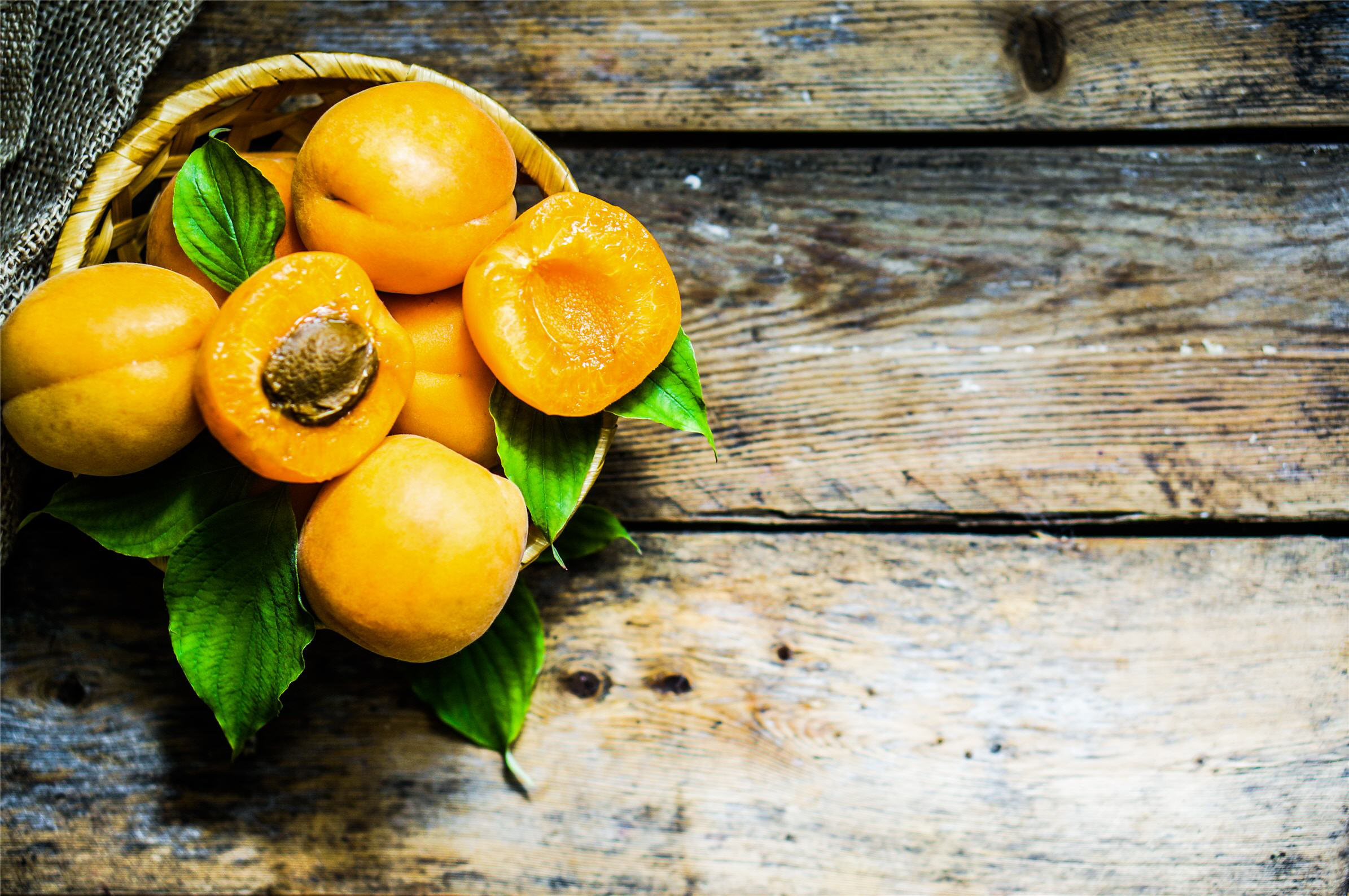 Rustic fruits, apricots