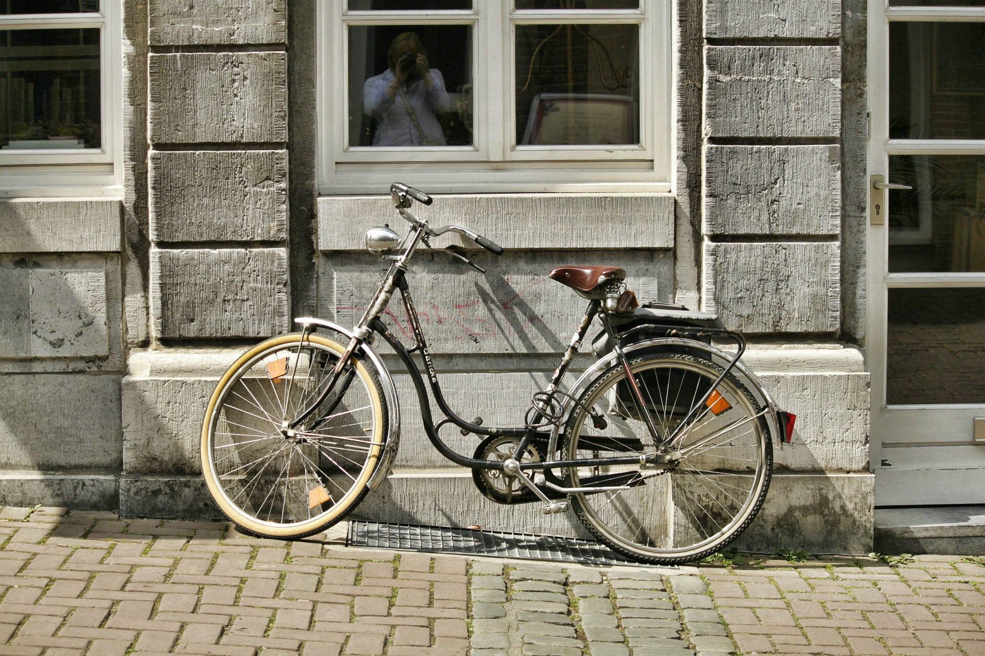 Biking-01