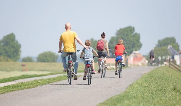Els fisioterapeutes recomanen la bicicleta però s'ha de tenir cura. Amb aquests consells de fisioteràpia a Sant Cugat es poden prevenir lesions