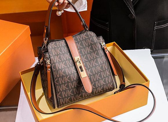 Brand Women's Bag 2020 New Type of Messenger Bag Light Luxury Bucket Bag Leather