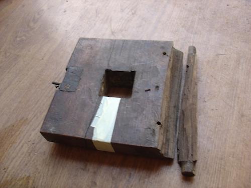 antique 18th century oak tilt top