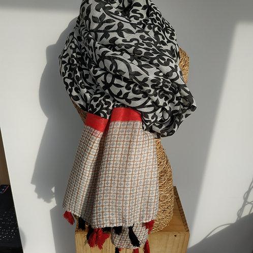 Foulard pompons, noir et rouge