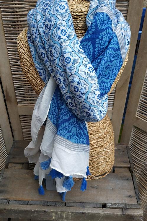 Foulard bleu et blanc