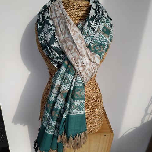 Foulard vert et écru