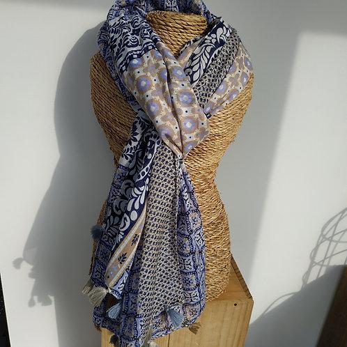 Foulard pompon taupe et bleu jean