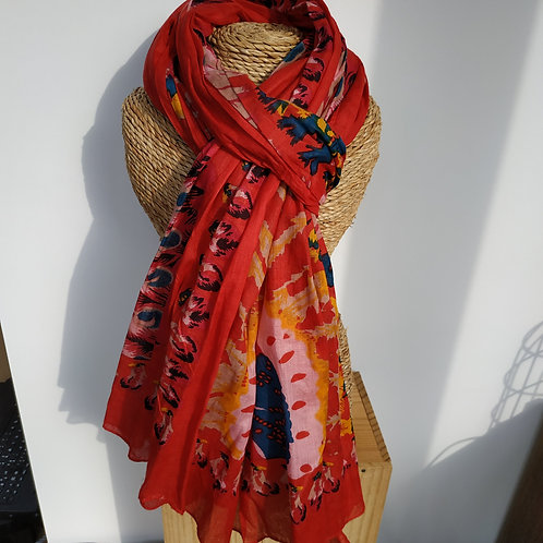 Foulard rouge et fleurs