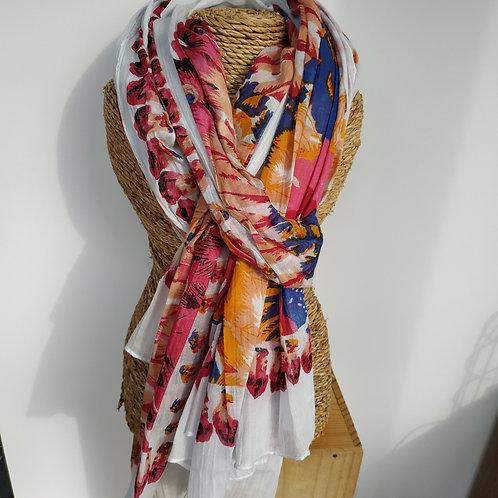 Foulard blanc et fleurs