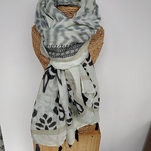 Foulard noir et beige