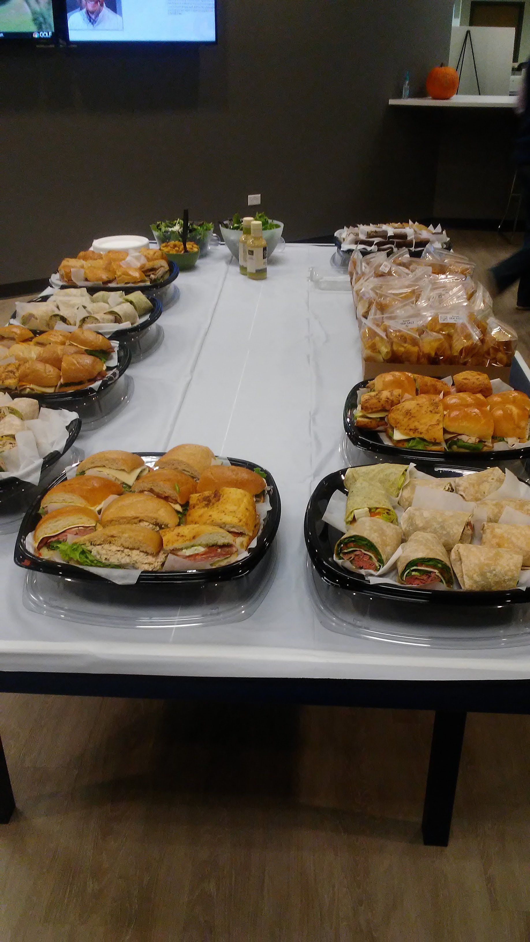 Lunch Wraps and Sandwiches pic