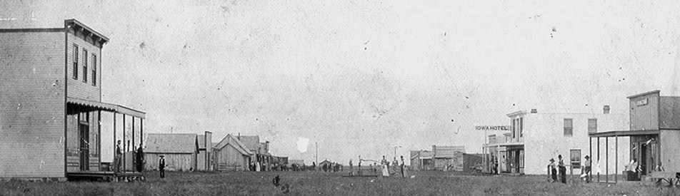 historical-Moore1900waterwell Banner.jpg