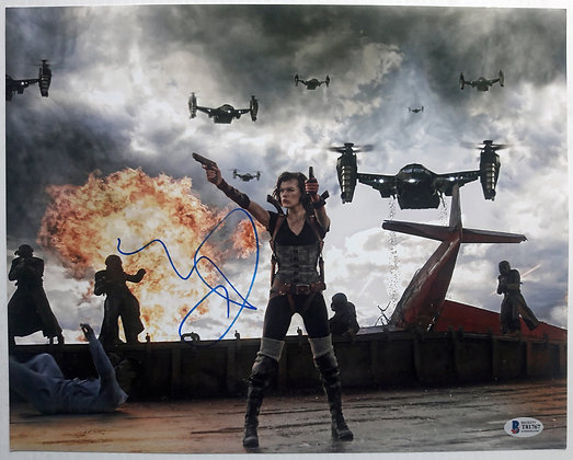 Milla Jovovich - Resident Evil | Beckett Authenticated