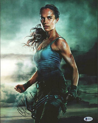 Alicia Vickander - Tomb Raider   | Beckett Authenticated