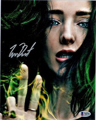 Emma Dumont - Polaris  | Beckett Authenticated