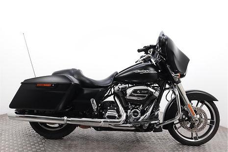 Harley-Davidson-FLHXS-Street-Glide-Speci