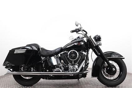 Harley-Davidson-FLSTN-Softail-Deluxe-1.j