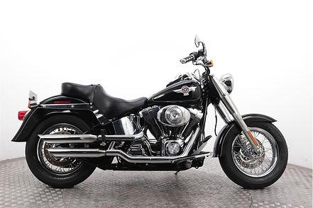 Harley-Davidson-FLSTF-Fat-Boy-noir.jpg