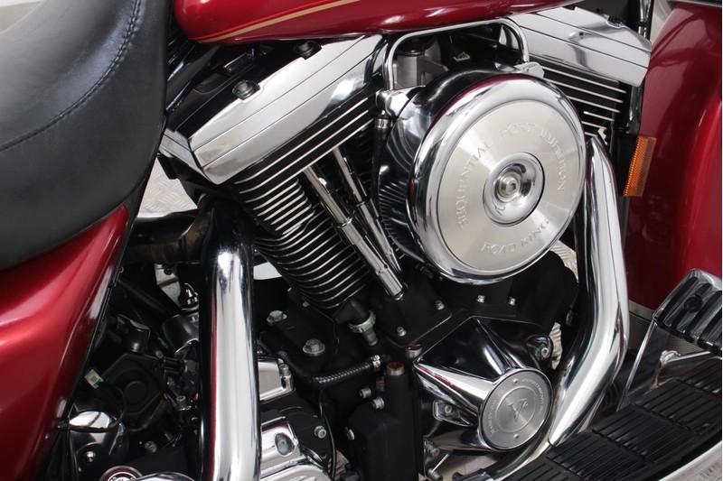 Harley-Davidson-FLHRCI-Road-King-Classic