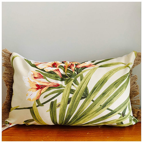 ISLAND GRASS FLOWER CUSHION