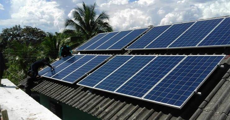 ใช้พลังงานจากแผง Solar Cell
