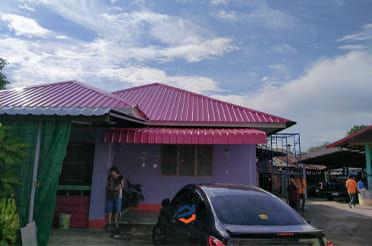 หลังคาบ้านพียูโฟมสีชมพูบานเย็น
