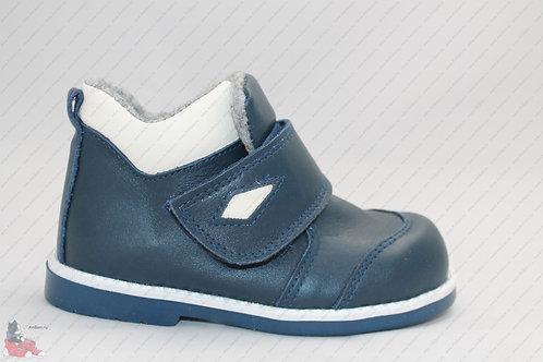 Модель 31. Ботинки для мальчика
