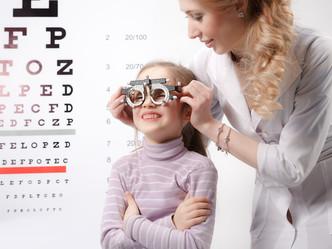 Signos de una mala visión en niños