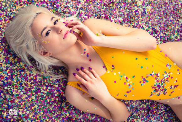 Model: Rrita Pllana, Visa: Zoey Matache
