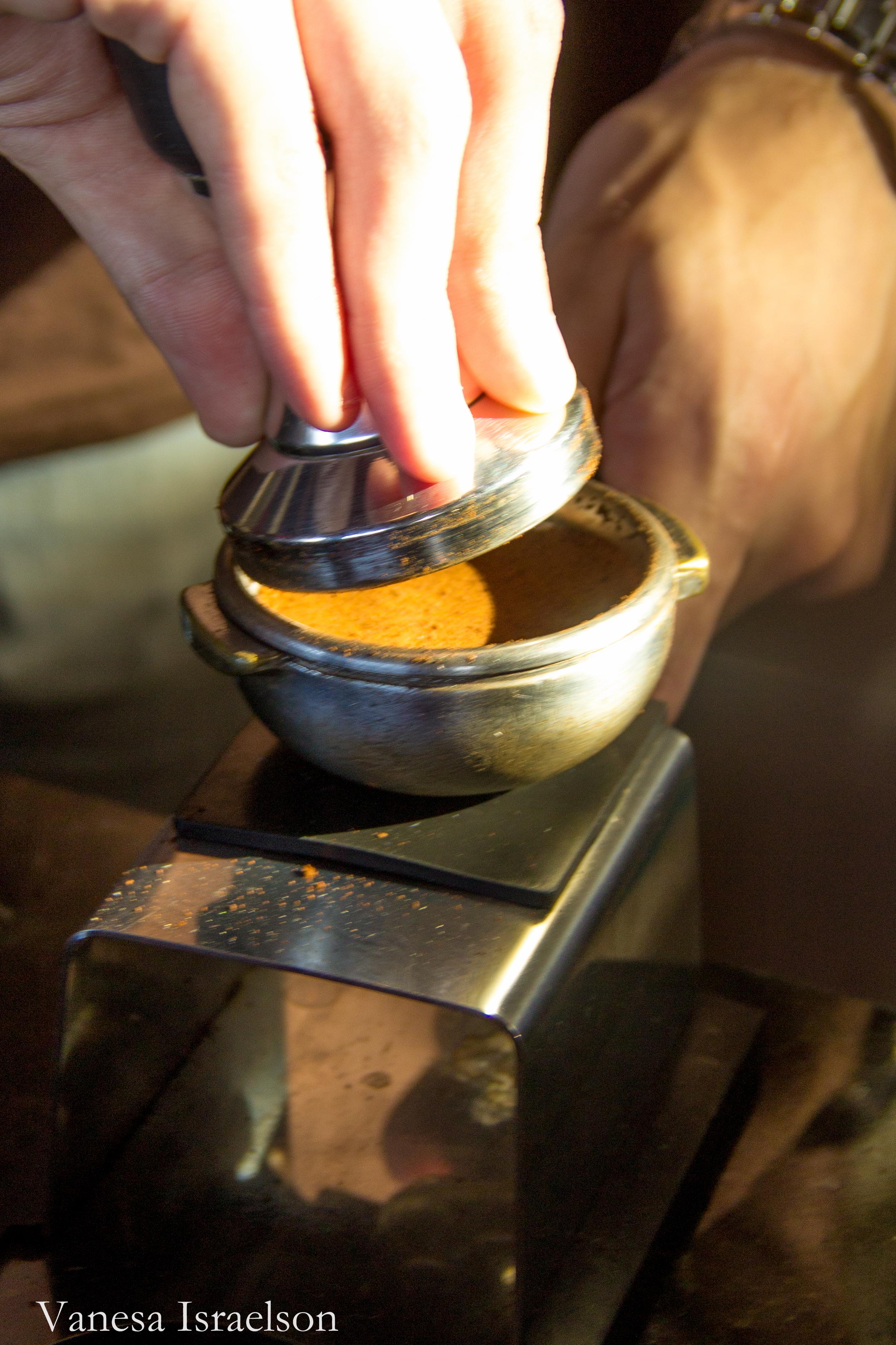 a arte em prensar um bom café
