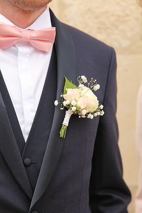 boutonnière blanche marié
