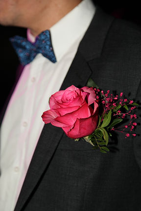 boutonnière rose