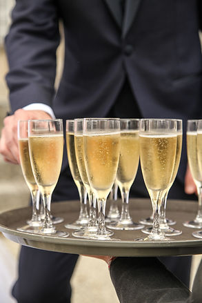 traiteur, coupes de champagne