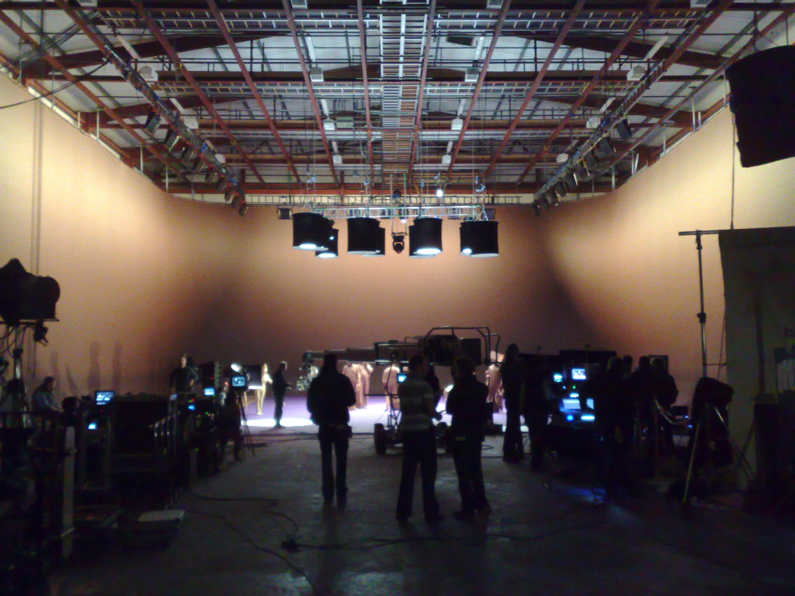 The Film Studio-Floor Runners Bootca