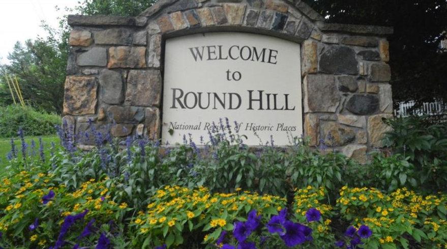 Round-Hill-Sign1-800x445.jpg