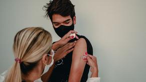 Prefeito Roberto Naves garante vacinação a adolescentes em Anápolis