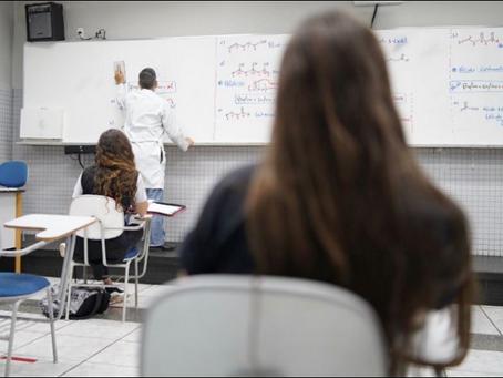 Seduce inicia preparativos, orientando as escolas,  para a volta às aulas presenciais