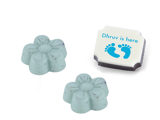 Personalised Baby Boy Announcement Gift - Feet Design - 9 chocolates